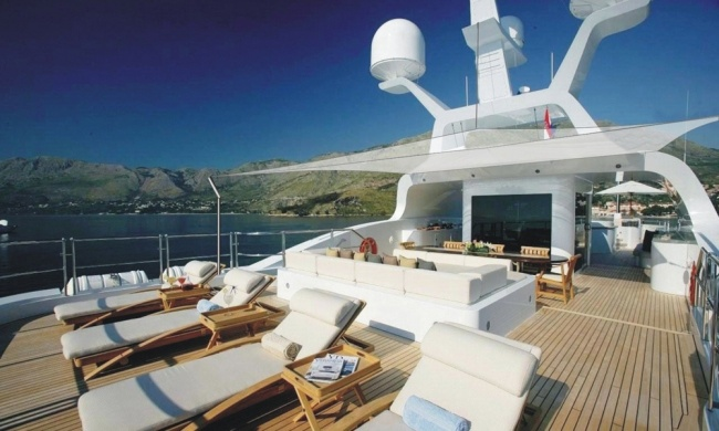 Portfolio MY Amnesia marine Upholstery Mallorca